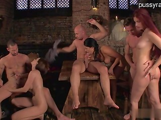 Ordinary day in the pub turned into an awesome orgy with good-looking chicks