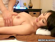 Professional masseuse pays much attention for every centimeter of Japanese girl's skin   7