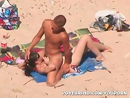 Young tanned minx with sunglasses satisfied her boyfriend on the beach in the amateur video