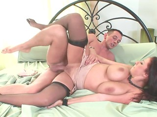 Nasty MILF Gianna Michaels seduced an intelligent fellow and fucked him like nobody else