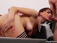 Slutty secretary had awesome sex and presented her boss wonderful blowjob for material benefits