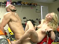 Rich guy pounds blonde slut with shaved pussy in the amateur porn video
