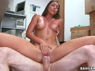Wonderful brunette beauty wildly rides her lover's rode and receives facial cumshot