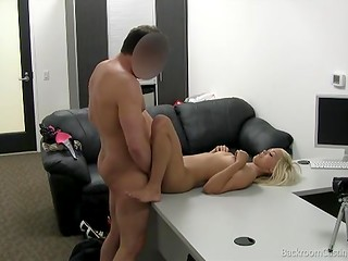 Pretty blonde girl came on the porn casting to demonstrate her sexual skills and gain new experience
