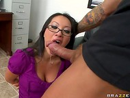 Spectacular pornactress surprises her fan with a high-class dick-sucking action