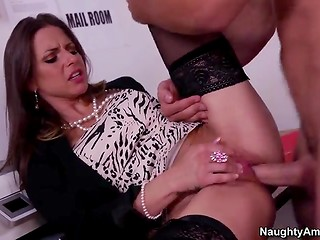 Horny MILF in stockings decided to spend her break time in dirty way with her colleague in the office