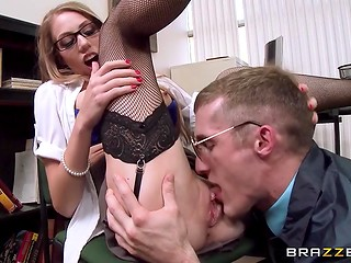 Superb secretary with sexy glasses and big boobs is pluralistically an amazing babe that loves fucking in the office