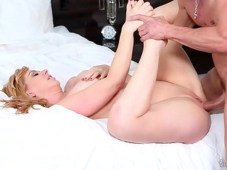 Fascinating MILF Sasha Sean was up in the morning and starts it energizing fucking