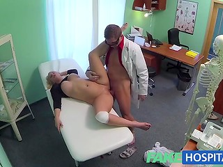 Cunning doctor used his authority to seduce a stupid slut with big tits for hot sex