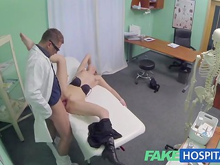 Doctor will never give a bad advice, that's why blonde slut starts the dirty sexual fun