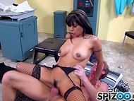 Lewd mistress in fishnet stockings neatly seduces doctor during the medical examination