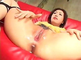 Guy masturbates asian pussy and ejaculates on it